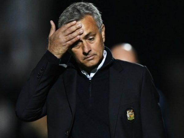 MU tiếp tục đối diện án phạt từ UEFA