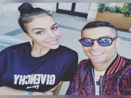 Bạn gái Ronaldo chơi trội, cùng gia đình Ronaldo đẩy lùi scandal