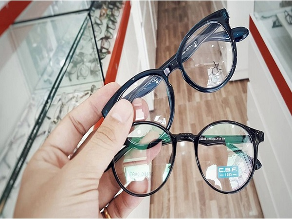 Mơ thấy mắt kính mang đến điềm báo gì?