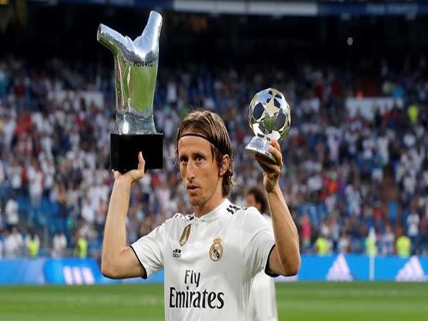Luka Modric là anh chàng tiền vệ trụ cột của CLB Real Madrid.